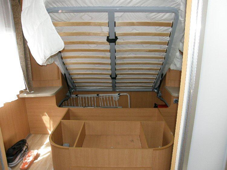 fabriquer lit escamotable camping car ha43 jornalagora. Black Bedroom Furniture Sets. Home Design Ideas
